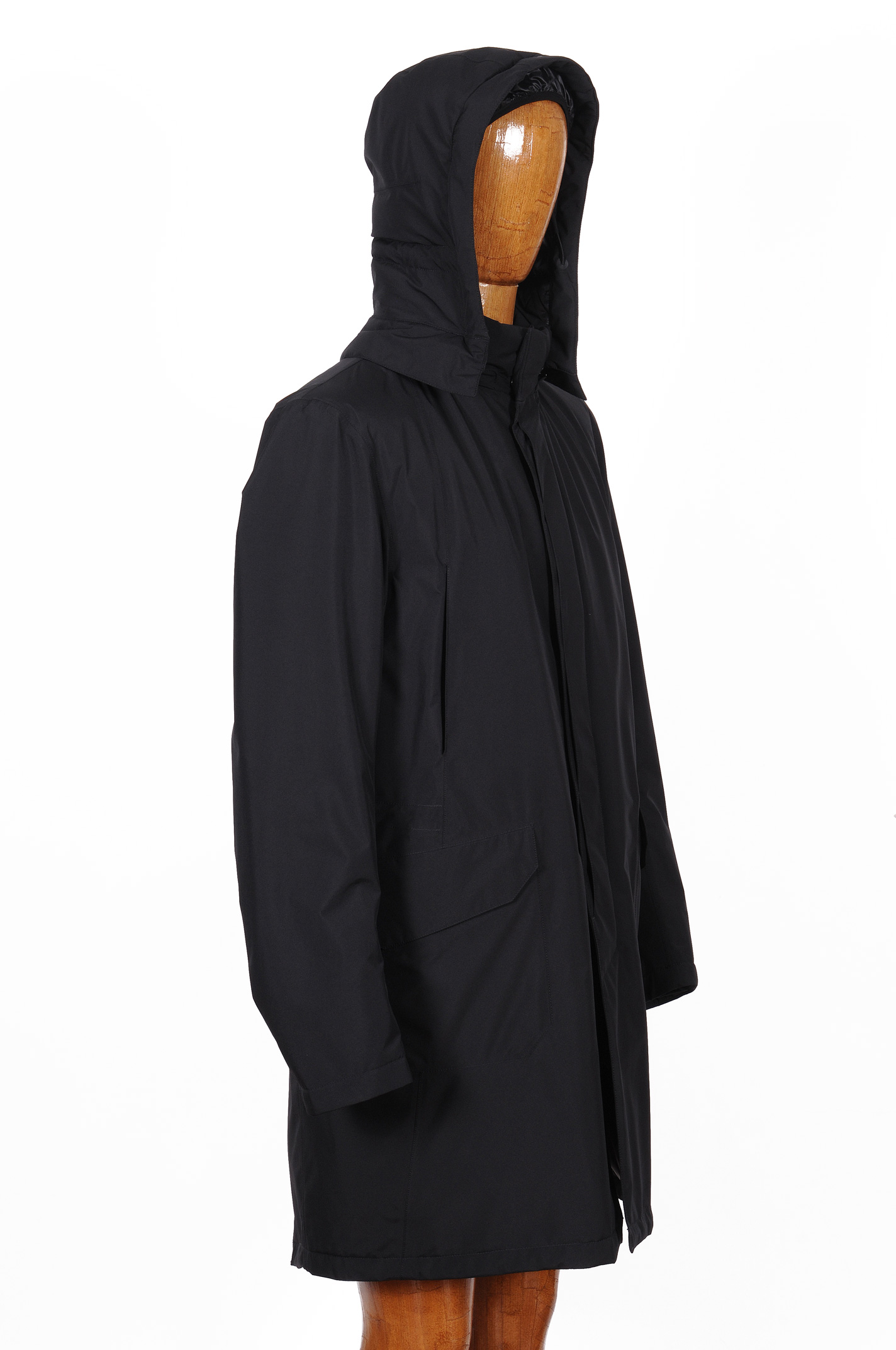 factory authentic 3981f 8af34 giaccone-parka-lungo-nero-herno-laminar-4.jpg